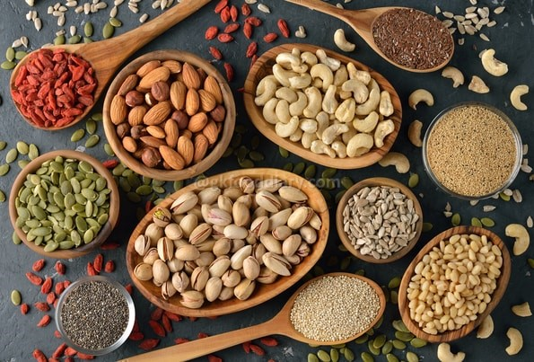 Foods to avoid feeding baby - nuts and seeds