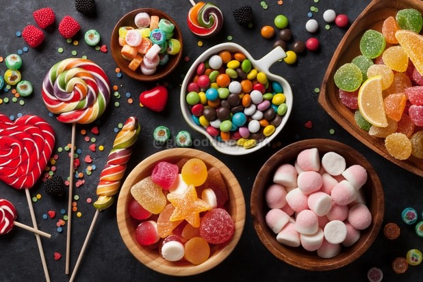 Foods to avoid feeding baby - sweet hard candy
