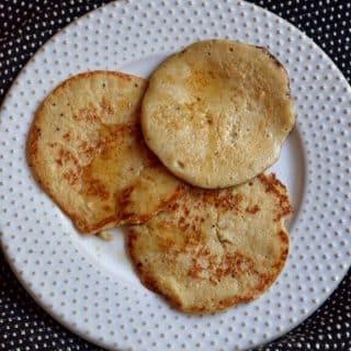 Eggless Banana Oats Pancakes